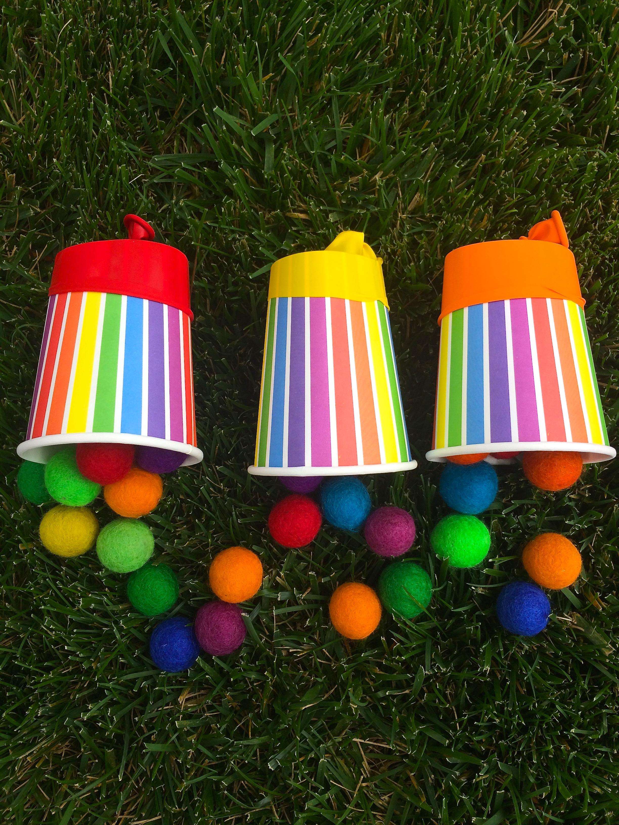 Pom-pom party popper